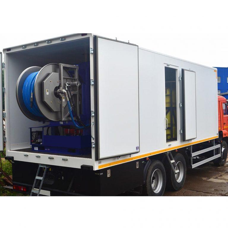 Series of Poseidon D130S apparatus, 130 hp, 100 – 300 bar, 135 – 400 l/min